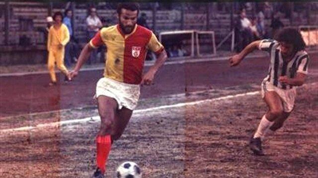Galatasaray eski futbolcusunu unutmadı
