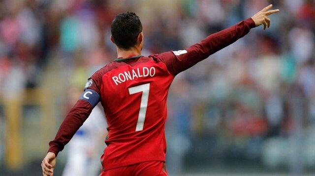 Cristiano Ronaldo Pele'yi solladı!