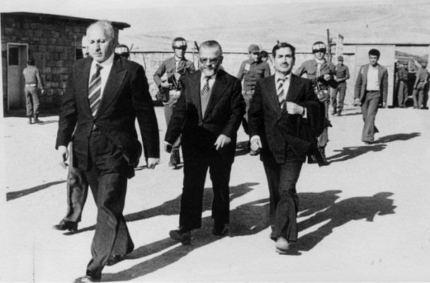 Necmettin Erbakan Uzunada'ya sürgüne gönderildi.