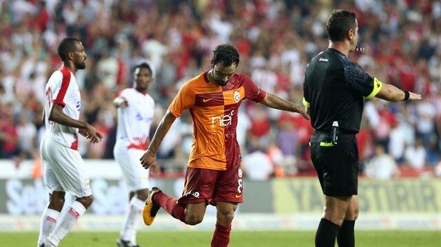 Galatasaray taraftarı Selçuk İnan'la vedalaştı!