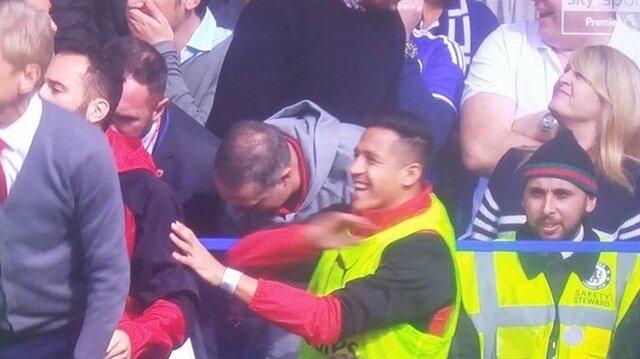 Kulübede gülen Sanchez'e tepki: Bu adamı takımdan gönderin!