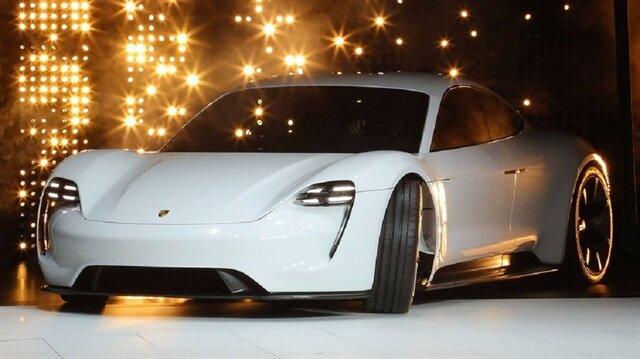 Porsche'un elektrikli aracı Mission E, 2019'da yollarda
