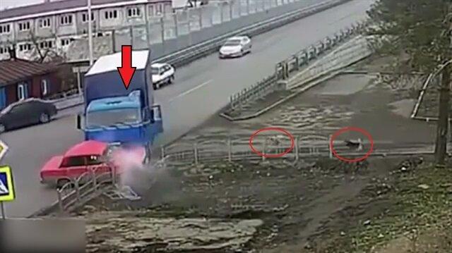 Aynı kavşaktaki 7 kaza sonrasında yaşanan ilginç görüntü