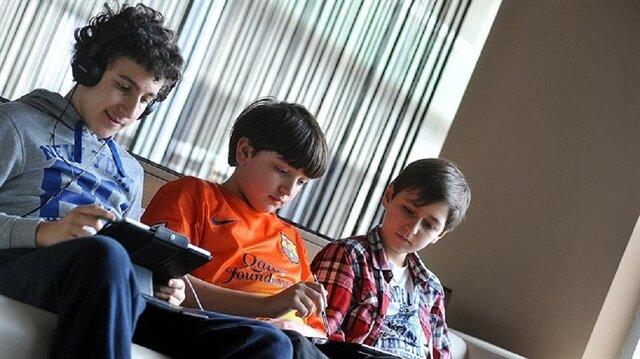 ''Çocuklar ve gençler itibarı sanal dünyada arıyor''
