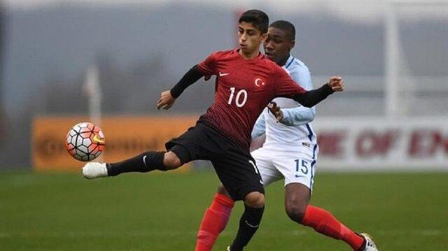 Galatasaray'dan 15 yaşındaki Türk futbolcu için sürpriz transfer harekatı