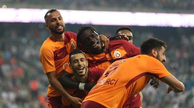 Lider Galatasaray para basıyor