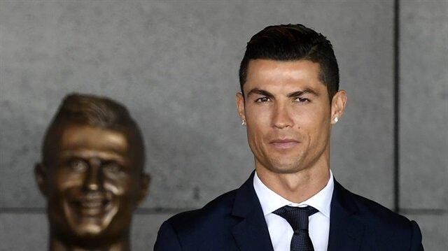 Büst bu kez Ronaldo'ya benziyor