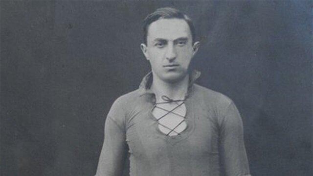 Futboldan, tenise 10 parmağında 10 marifet spor adamı: Zeki Rıza Sporel