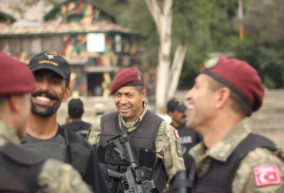 15 Temmuz kahramanı şehit Astsubay Ömer Halisdemir'in Pakistan'da katıldığı tatbikat.