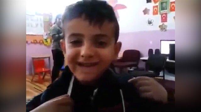 İngilizceden Arapçaya geçen sevimli çocuk kahkahaya boğdu