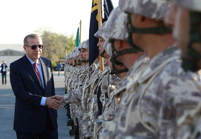 Cumhurbaşkanı Erdoğan, Katar ziyareti sırasında Türk üssündeki askerlerle bir araya gelmişti.