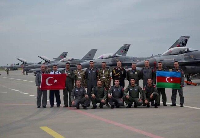 Azerbaycan ile ortak tatbikattan bir görüntü.