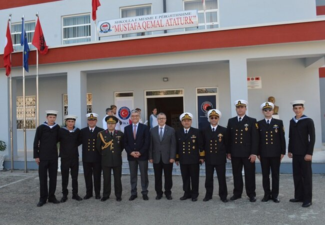 Adriyatik Denizi kıyısındaki Paşalimanı Deniz Üssünde görev yapan Türk askerleri.