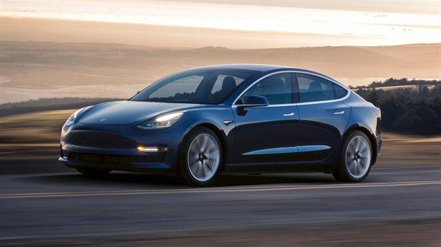 Elektrikli araçlar sınır tanımıyor: Tesla Model 3 ile Amerika tarihinin en hızlı yolculuğu!