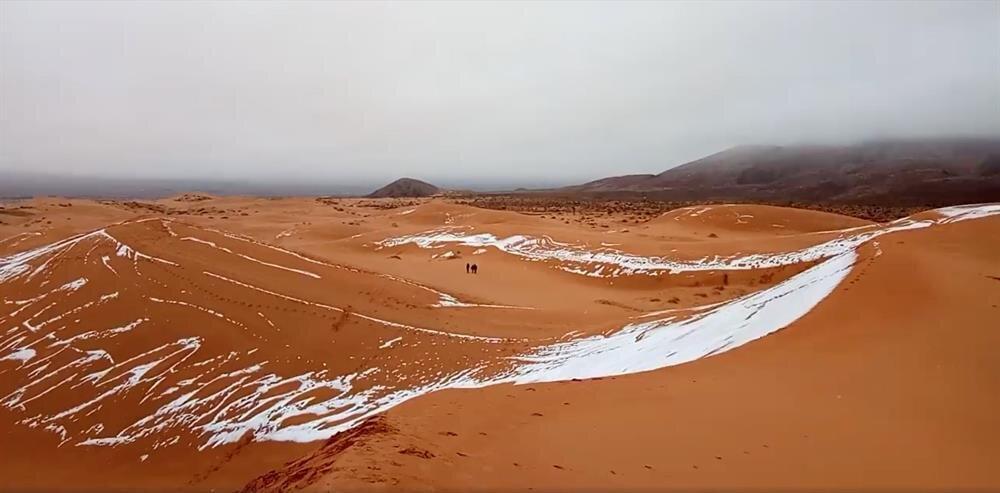 Kum çölü Sahra, 1979'dan bu yana ilk kez 2017'de kar gördükten sonra bu yıl da karla karşılaştı.n n