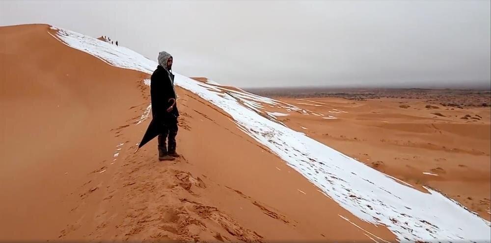 Kum çölü Sahra, 1979'dan bu yana ilk kez 2017'de kar gördükten sonra bu yıl da karla karşılaştı.nn