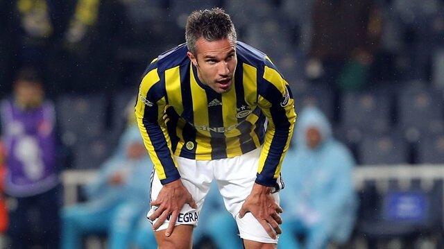 Fenerbahçe Van Persie'nin lisansını iptal etti