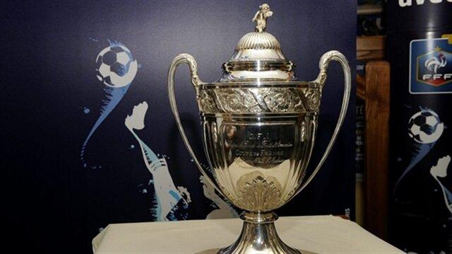 Şaka gibi olay: Ligue 1 ekibi kupalarını kaybetti!