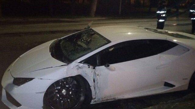 Galatasaray'ın gözdesi kaza geçirdi! Araç bu hale geldi