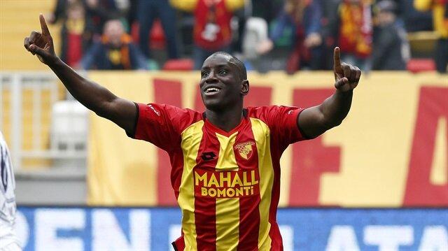 Demba Ba gol attı, sosyal medya yıkıldı!