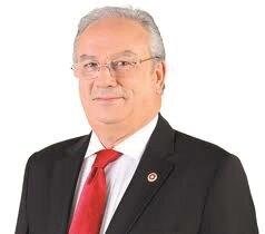 Türkiye Eczacılar Birliği eski Başkanı ve AK Parti İstanbul eski Milletvekili Mehmet Domaç