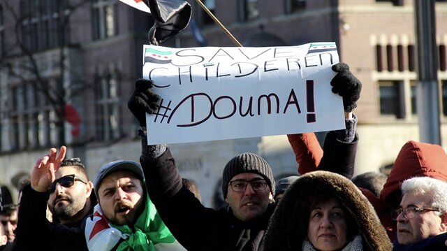 Amsterdam'da 'Doğu Guta'da bombaları durdur' gösterisi
