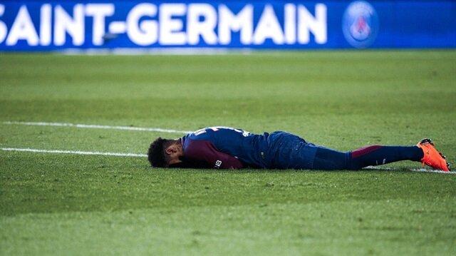 Neymar gözyaşları içinde sahayı terk etti! Yıldız futbolcu sahalardan ne kadar uzak kalacak?