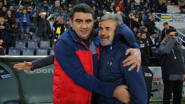Ümit Özat'tan Galatasaray'a olay gönderme!