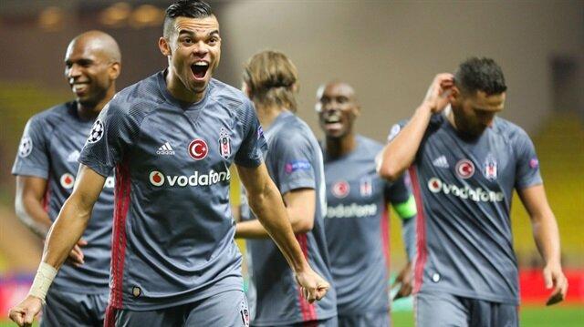 Pepe'ye Ümit Besenli doğum günü kutlaması