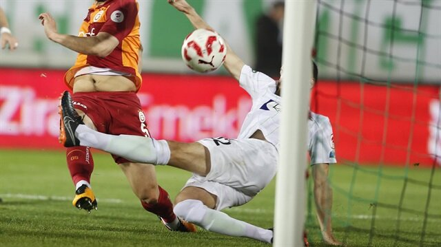 Akhisarspor-Galatasaray maçına damga vuran görüntü!