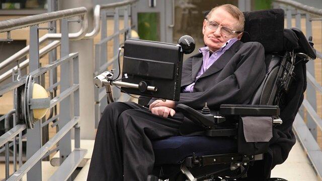 Ünlü fizikçi ve yazar Stephen Hawking hayatını kaybetti