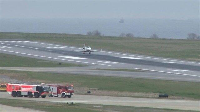 Acil iniş isteyen ambulans uçak Trabzon Havalimanına iniş yaptı