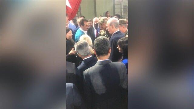 Cumhurbaşkanı Erdoğan Mehmetçiği ziyarete gelen sanatçılarla sohbet etti