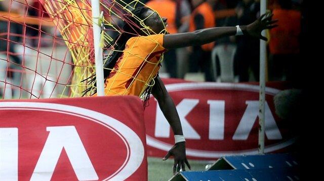 Gomis gol sevincini değiştirdi, stadyum yıkıldı!