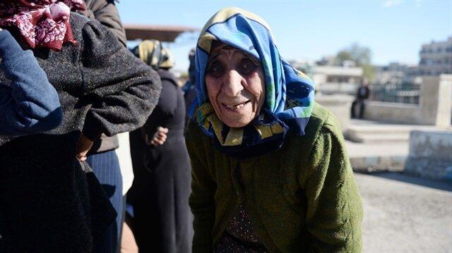 Afrinli Zeynep Ninenin yardımına Mehmetçik koştu