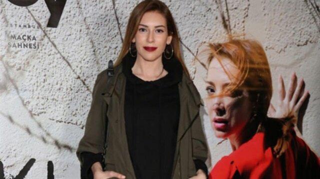 """Sinem Kobal'dan """"Romantik Komedi 3"""" filmi ile ilgili iddialara yanıt"""