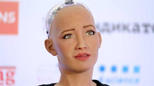 Dünyanın ilk vatandaşlık alan robotu Sophia Türkiye'de