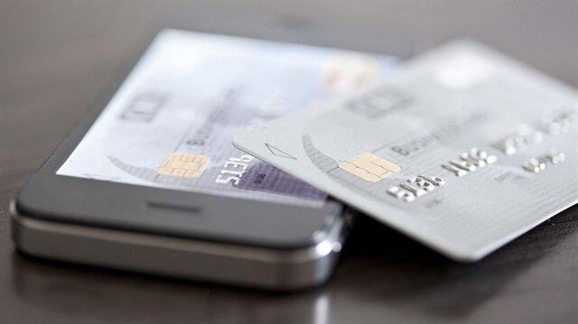 Kredi kartı çıkarmak için anlaştılar