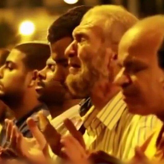 Mısır'da gözyaşlarına boğan Kadir Gecesi duası