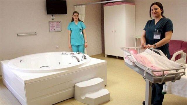 Sağlık Bakanlığından suda doğum ünitesi