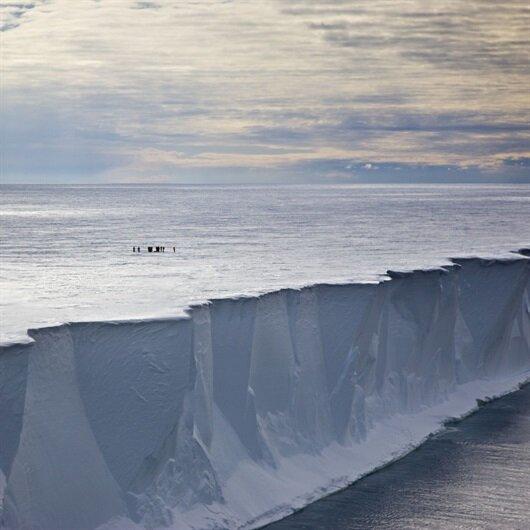 Dünyanın en büyük buzdağı eriyor