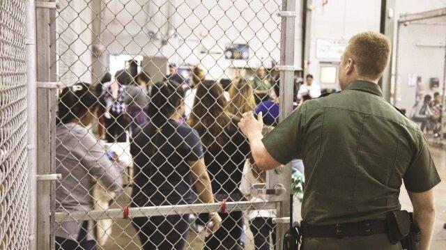 Askeri tesislerde toplama kampı!