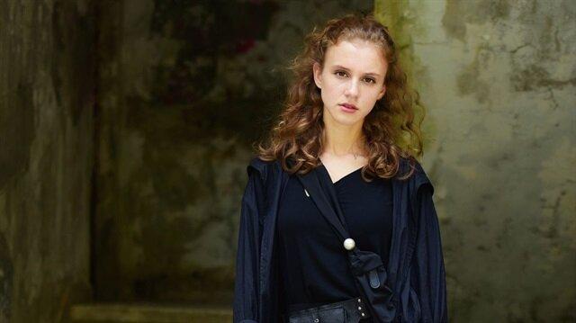 İstanbullu Gelin dizisinde Aslı Enver'in kızını Ahsen Eroğlu canlandıracak