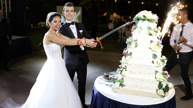 Evlenmek için 11 bin kilometre yoldan geldi: Çinli geline Trakya düğünü