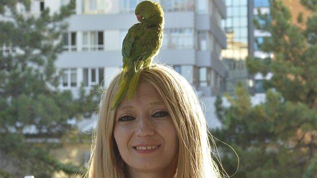 Kuşlarını gezdirerek para kazanan Züleyha'ya zabıta engeli