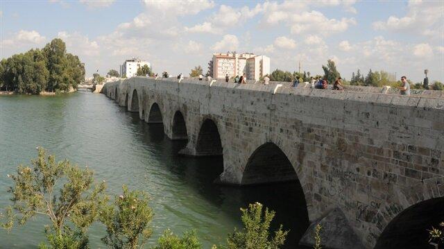 16 asırlık köprüye 'yazılı' zulüm!