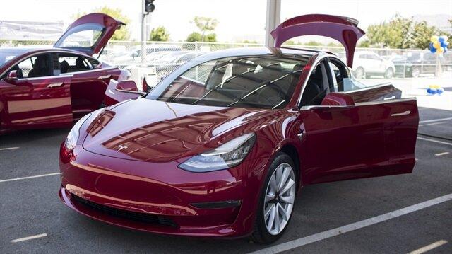 Tesla Direct hayata geçti: Kapıdan kapıya teslimat dönemi başladı!