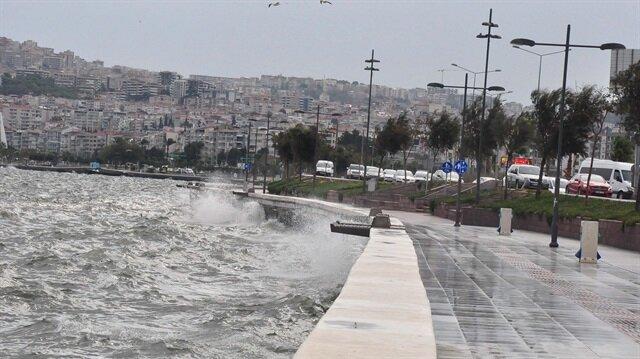 Ege kıyılarında kasırga alarmı: Fırtınanın saatteki hızı 145 kilometreyi bulacak