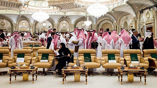 Suudiler yalnızlaşıyor: İlk darbe 'Çöl Davos'una
