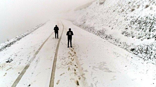 Lapa lapa kar yağdı: Her yer beyaza büründü